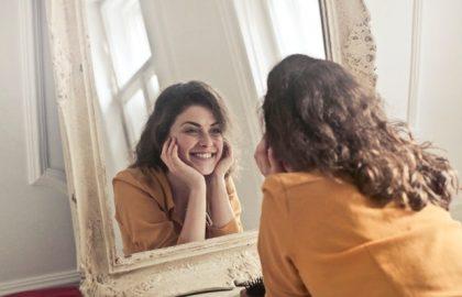 5 טיפים שיעזרו לך לשמור על עור פנים בריא וצעיר